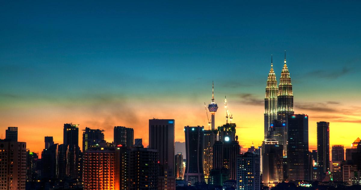 40 of the world 39 s most impressive skylines matador network for Home wallpaper kuala lumpur
