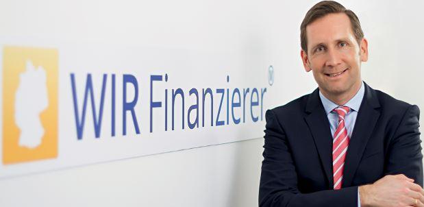 Mark H van den Arend