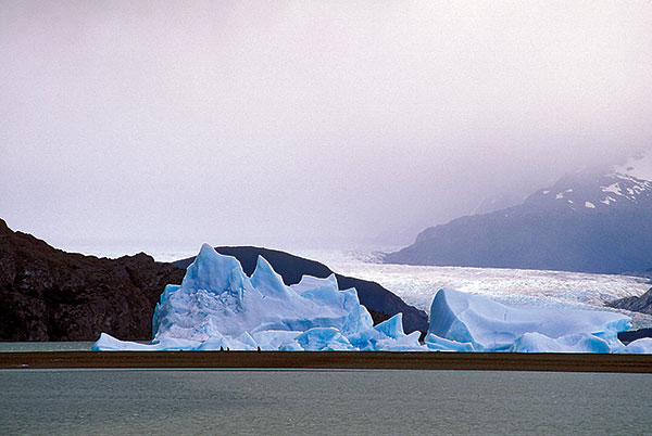 Chile: Glacier. Photo: Curt Carnemark / World Bank