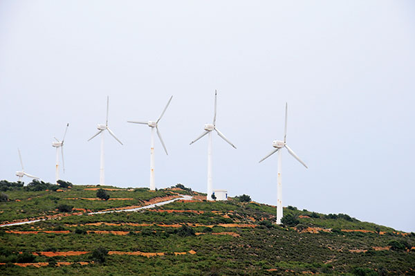 Tunisia: Wind turbine farm. Photo: © Dana Smillie / World Bank