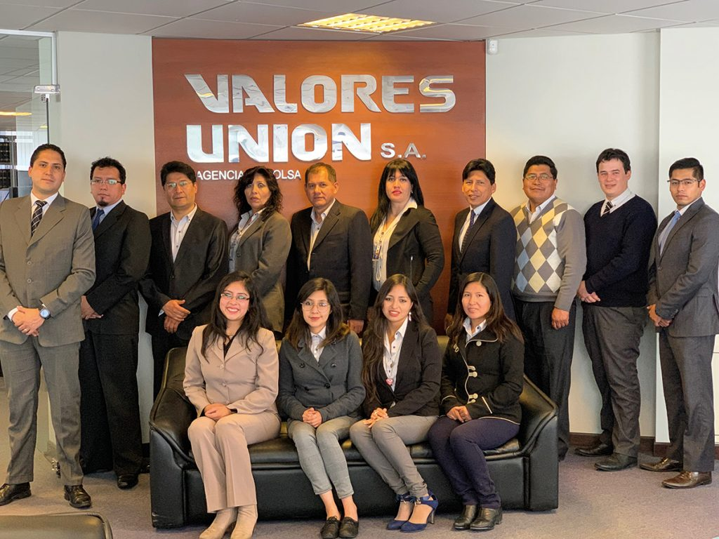 Valores Unión: The Team