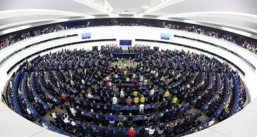 European Parliament News: The response to the current COVID-19 crisis must make the EU more resilient