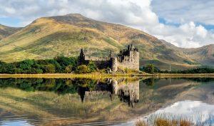 Loch Awe: the ruins of Kilchurn castle